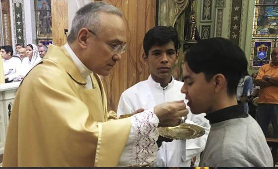 Arzobispo-Edgar-Peña.jpg