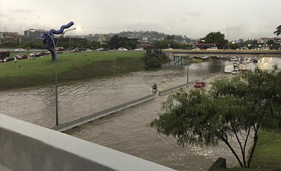 Lluvias-inundaciones-Caracas.jpg