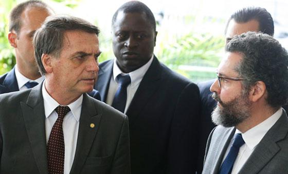 Bolsonaro-Araújo.jpg