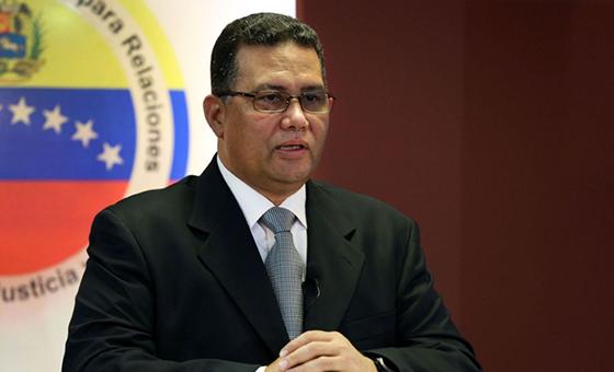 Reaparece González López como consejero de la Presidencia