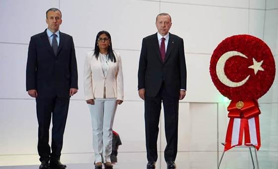 Presidente de Turquía se ofrece a cubrir las necesidades de Venezuela