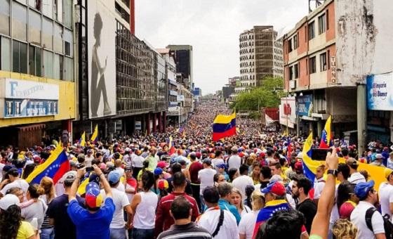 Ataque de colectivos a marcha en San Cristóbal dejó dos muertos y más de 15 heridos