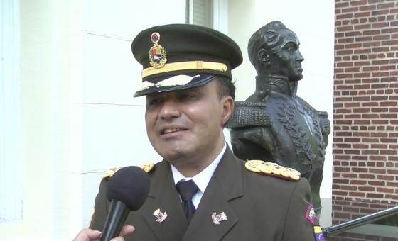 Agregado militar de Venezuela en EEUU rompe con Maduro: 'Guaidó es el presidente legítimo'
