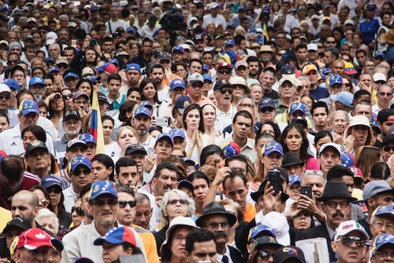 Multitud cabildo