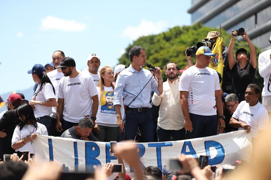 Guaidó junto a Pizarro y Blanco