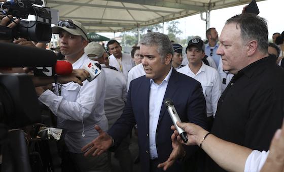 Pompeo visita a migrantes venezolanos en Colombia