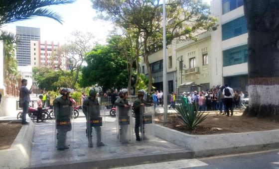 Periodistas lograron ingresar a Asamblea Nacional este #11deJunio
