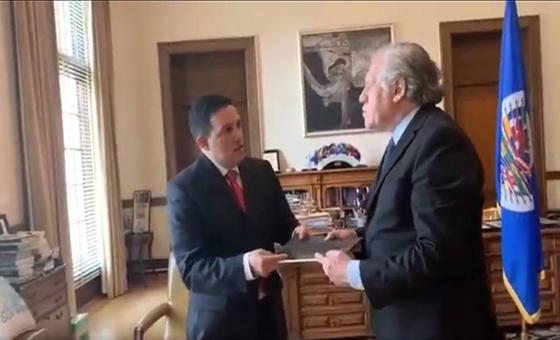 Wilmer Azuaje entregó a Almagro pruebas sobre la masacre de El Junquito