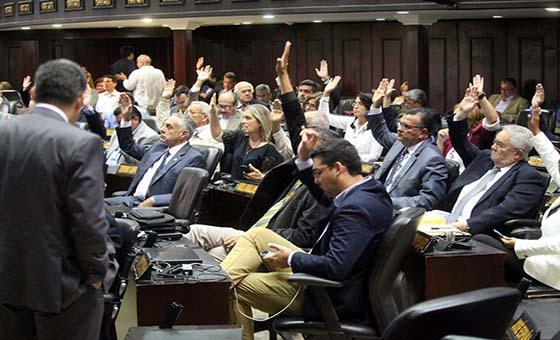 Asamblea Nacional investigará denuncias sobre presunta corrupción en Colombia