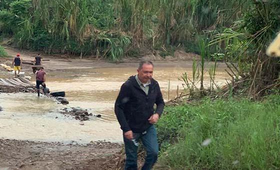 Diputado Richard Blanco se fue a Colombia tras persecución