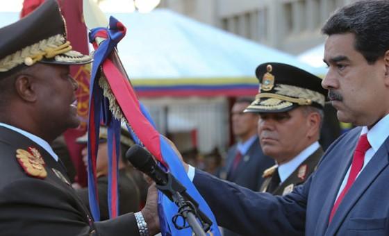 Maduro se blinda en la FAN al designar a Suárez Chourio Jefe de Comandancia en Jefe