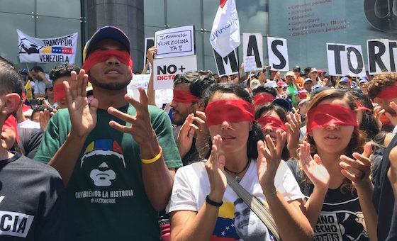 Aberraciones del socialismo del siglo XXI, por Luis Fuenmayor Toro