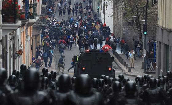 Reportan casi 500 detenidos durante protestas en Ecuador