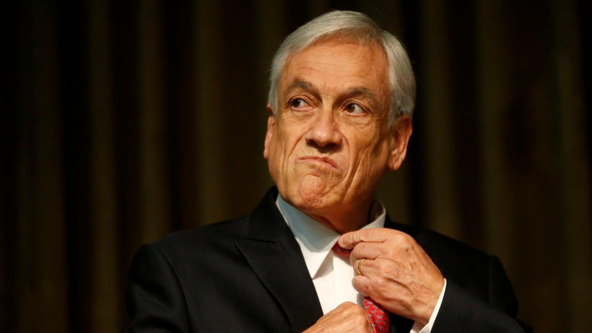 Piñera pide a todos sus ministros poner sus cargos a la orden