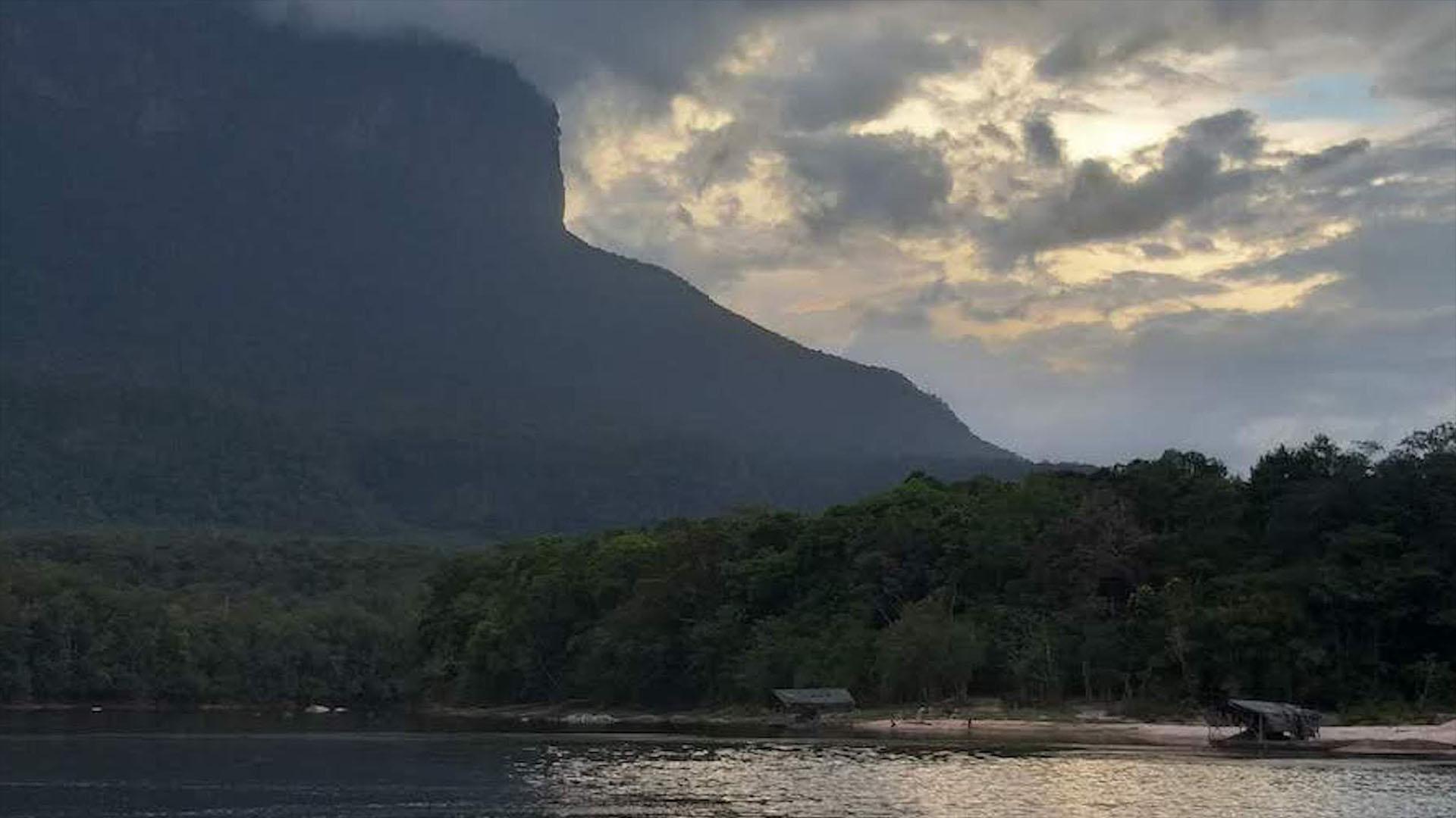 Canaima: El paraíso envenenado por el oro