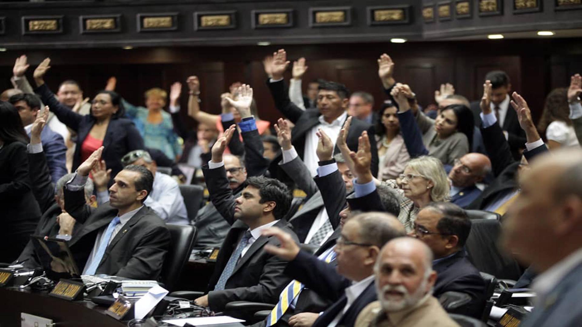 Chavismo y oposición dan los primeros pasos en conjunto para renovar el CNE