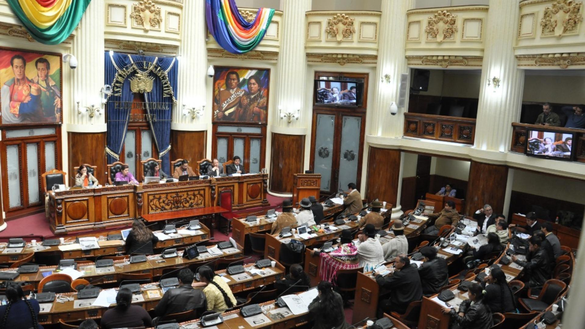 Parlamento de Bolivia recibe la carta de renuncia de Evo Morales