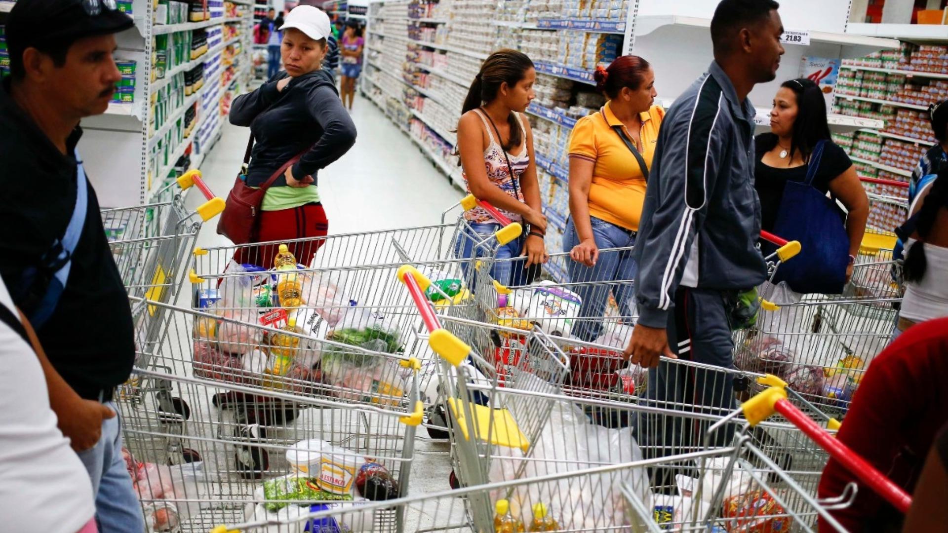 Cendas: Se necesitan 300 dólares para adquirir la canasta básica