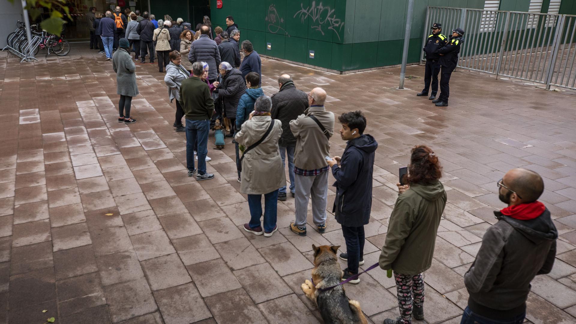 Baja la participación en los comicios generales en España