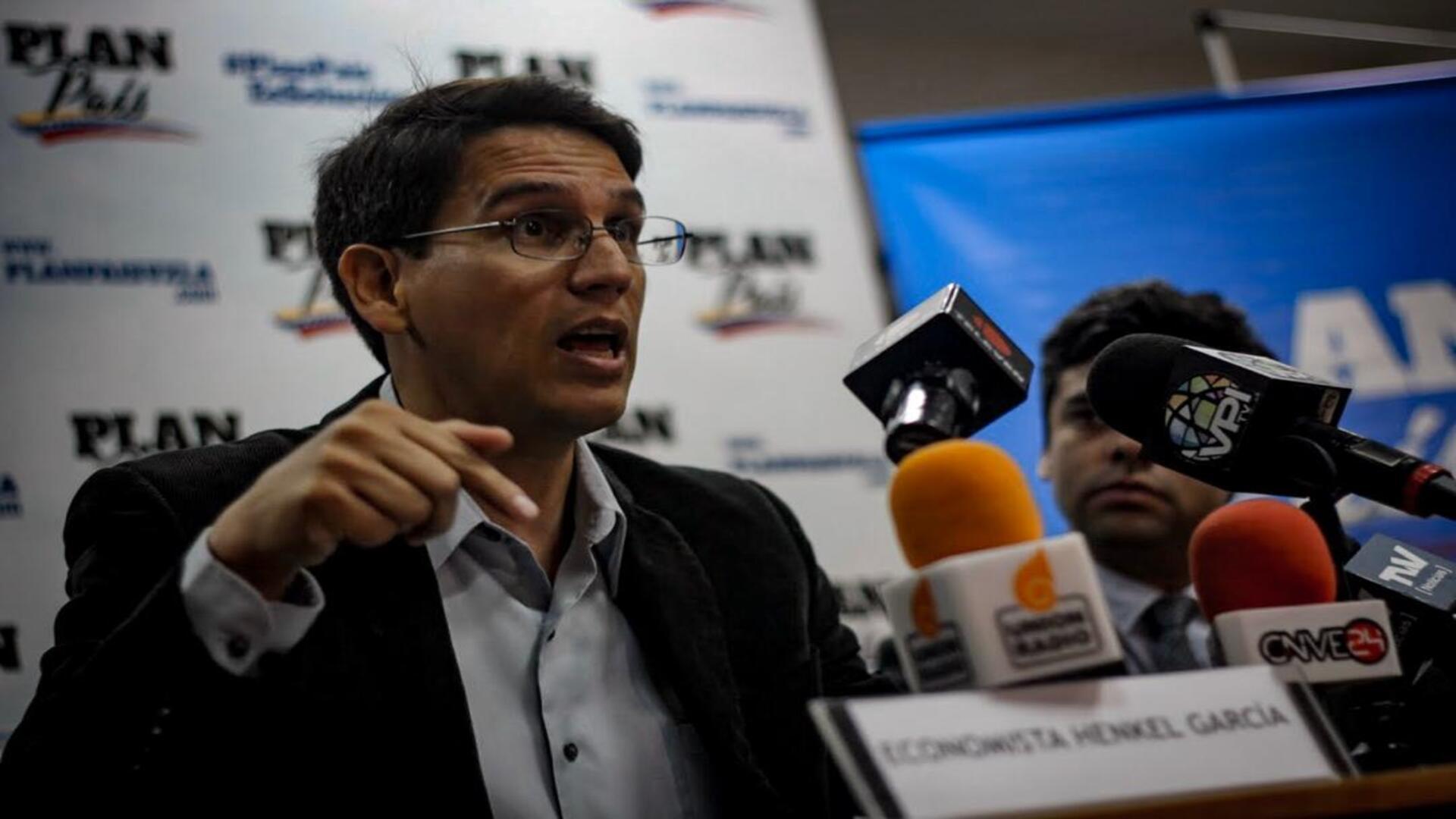 Economista Henkel García ve con buenos ojos el Plan País propuesto por la AN