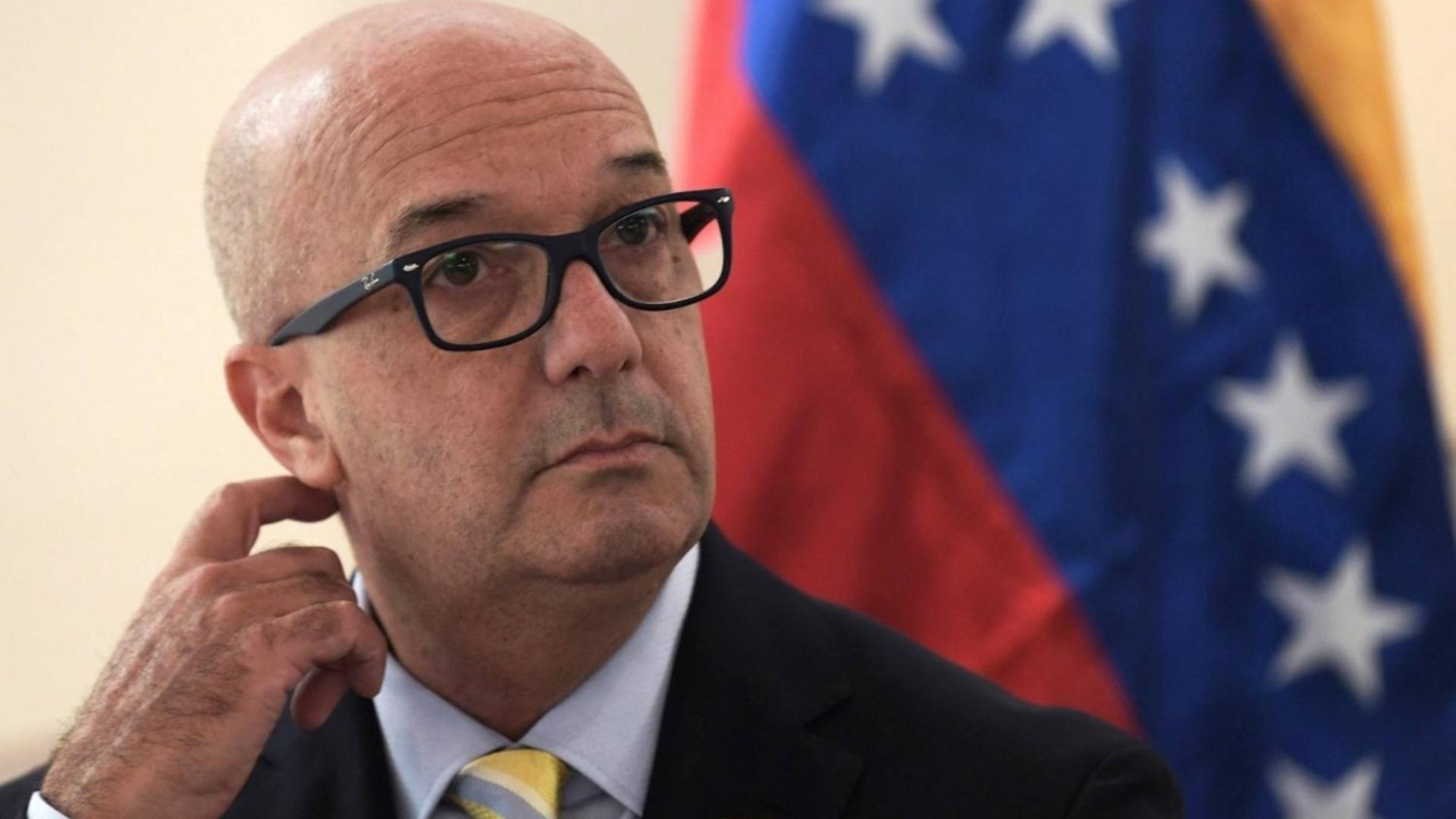 Simonovis entregó lista a EE UU de funcionarios que se han beneficiado del régimen