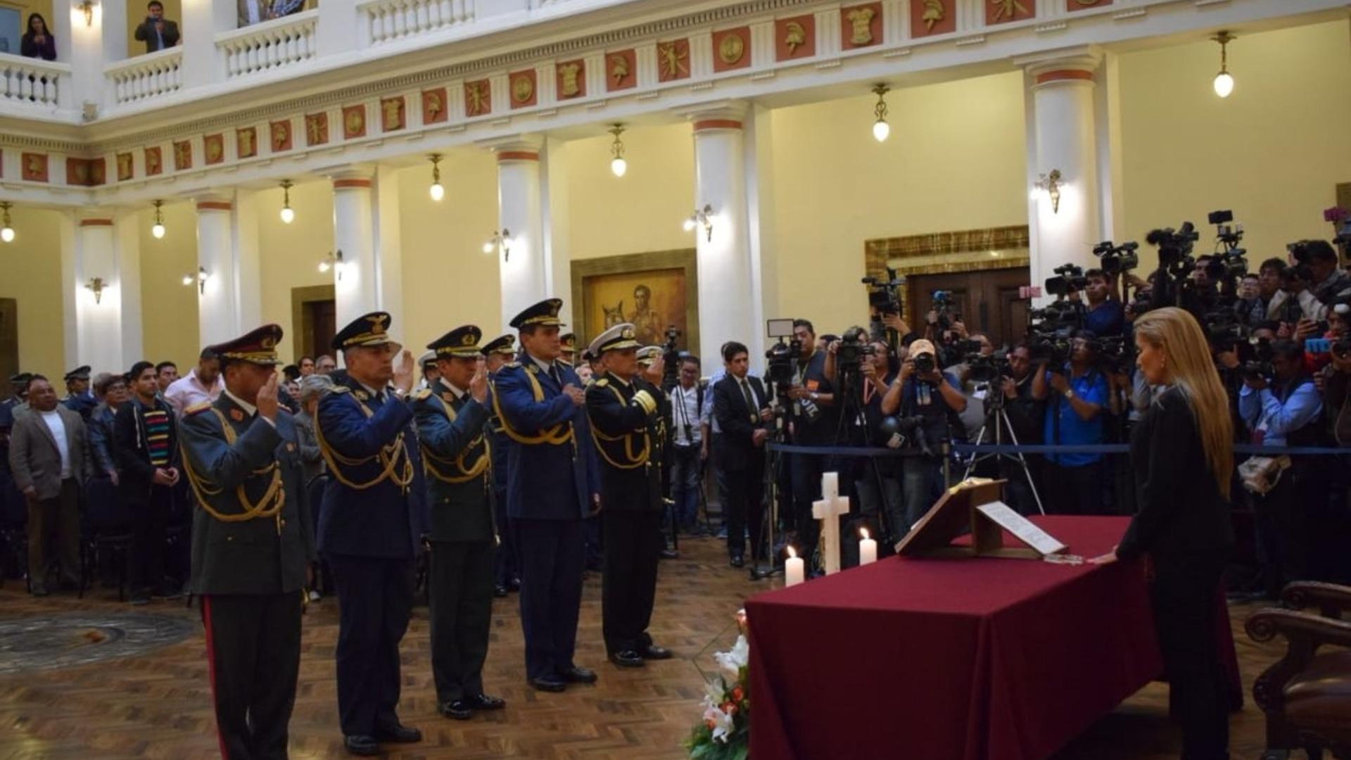 Informe Otálvora: Instauran nuevo gobierno constitucional en Bolivia