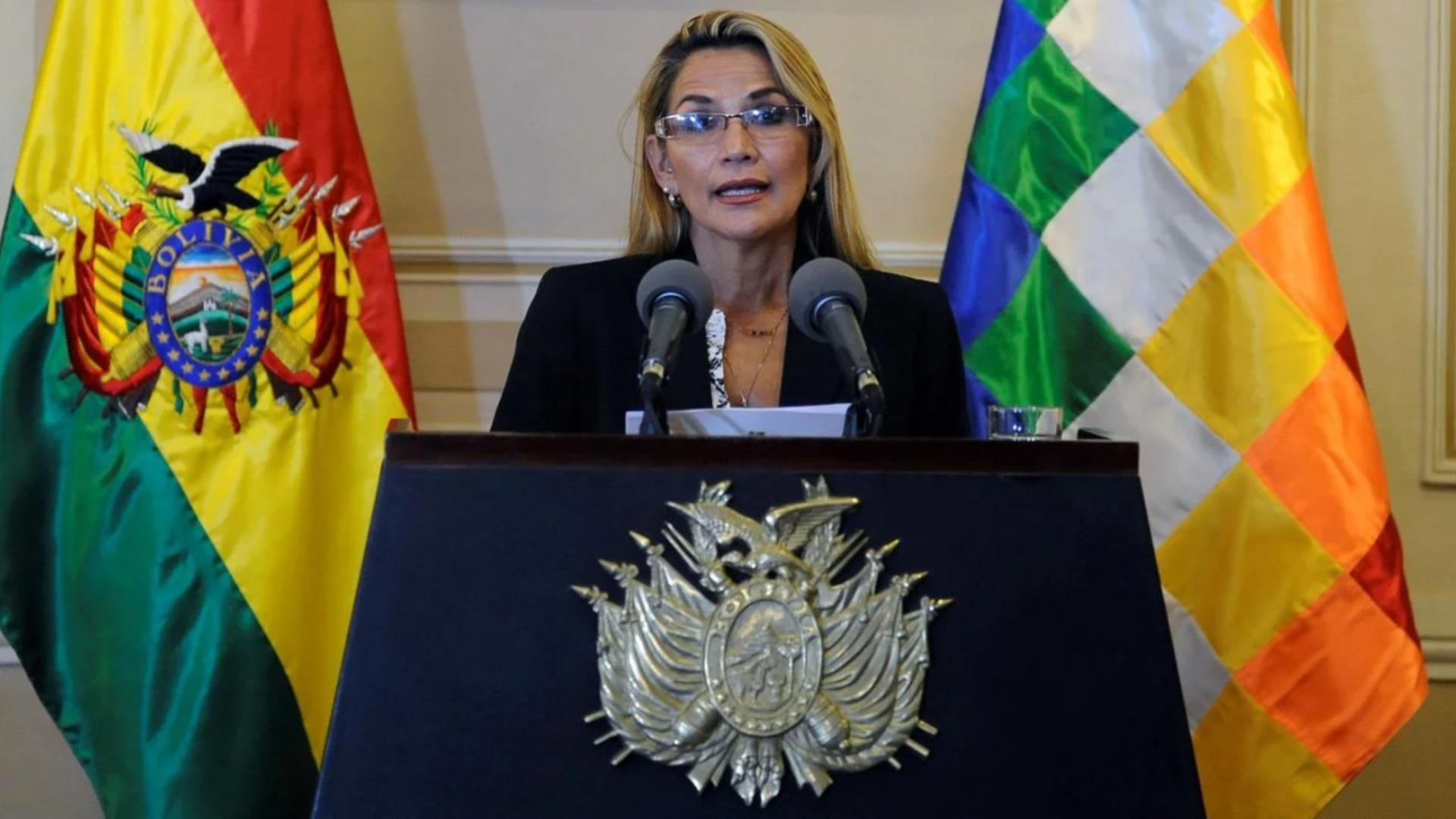 Rusia reconoce a Jeanine Áñez como