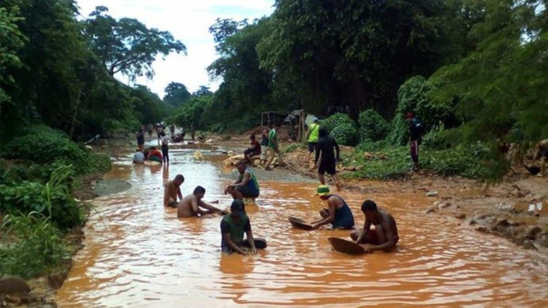 Runrunes de Bocaranda: BAJO - DENUNCIA GLOBAL