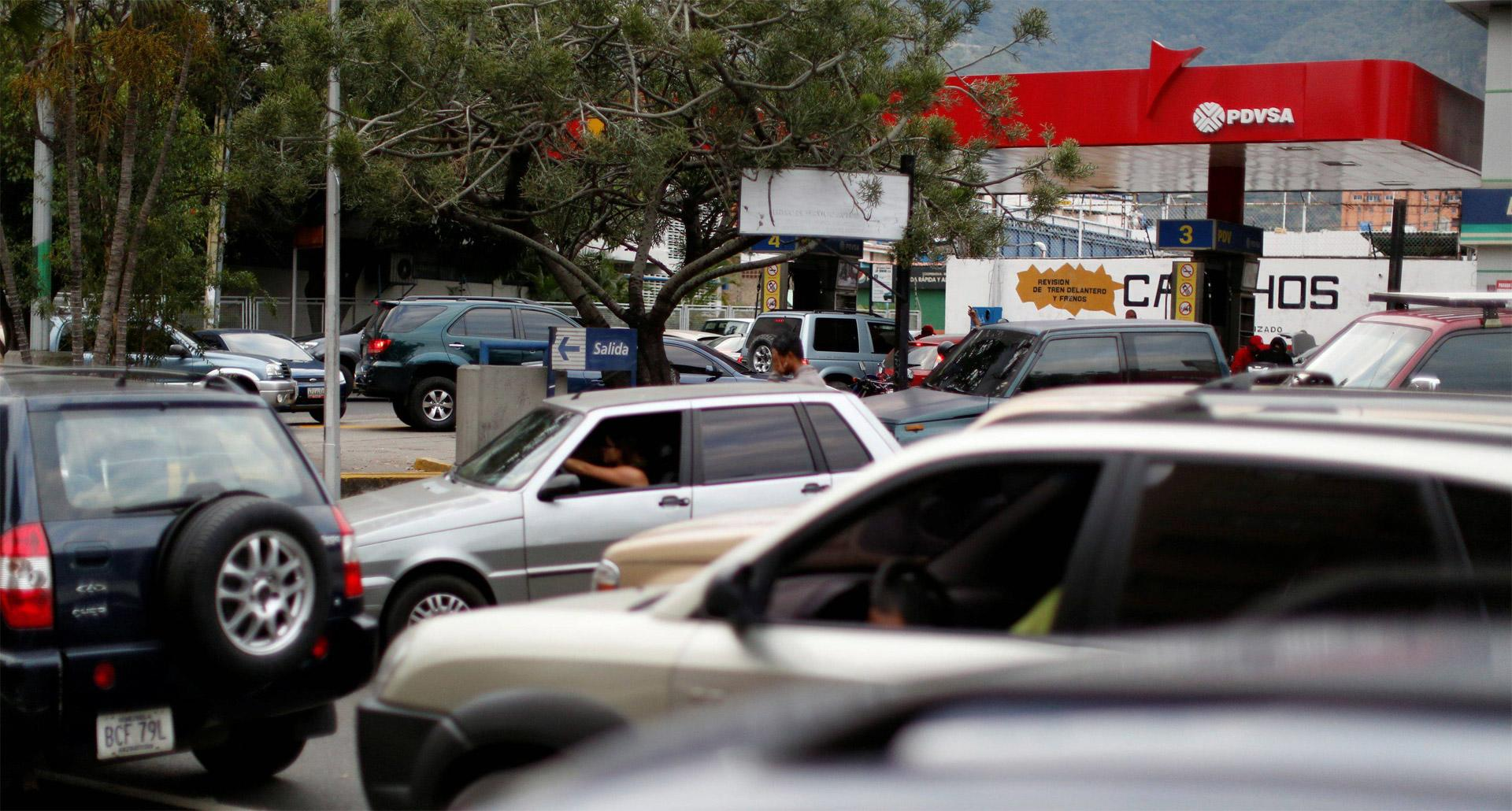 Problema con el suministro de gasolina no se resolverá a corto plazo