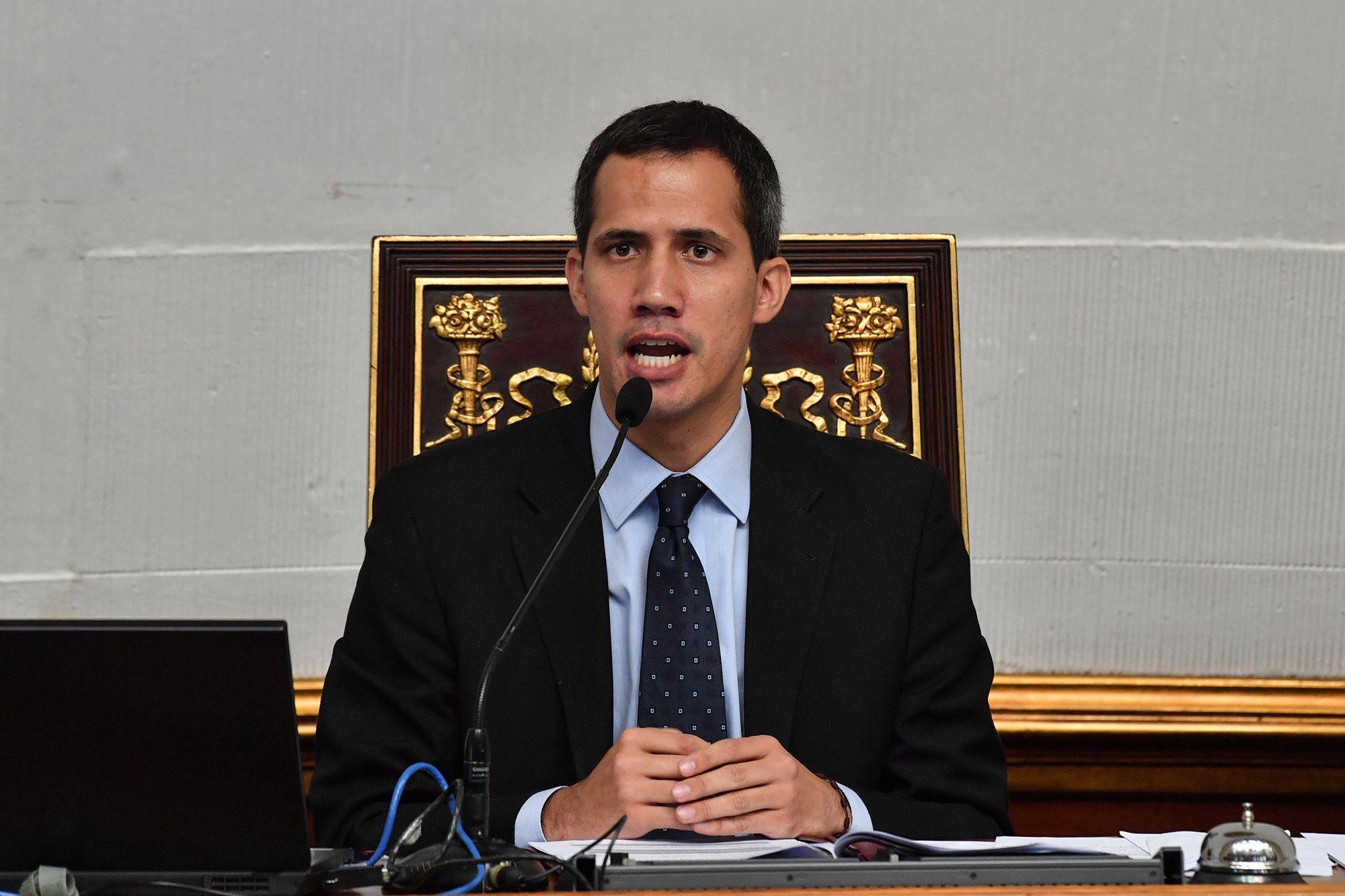 Guaidó convocó sesión ordinaria para el 15-E
