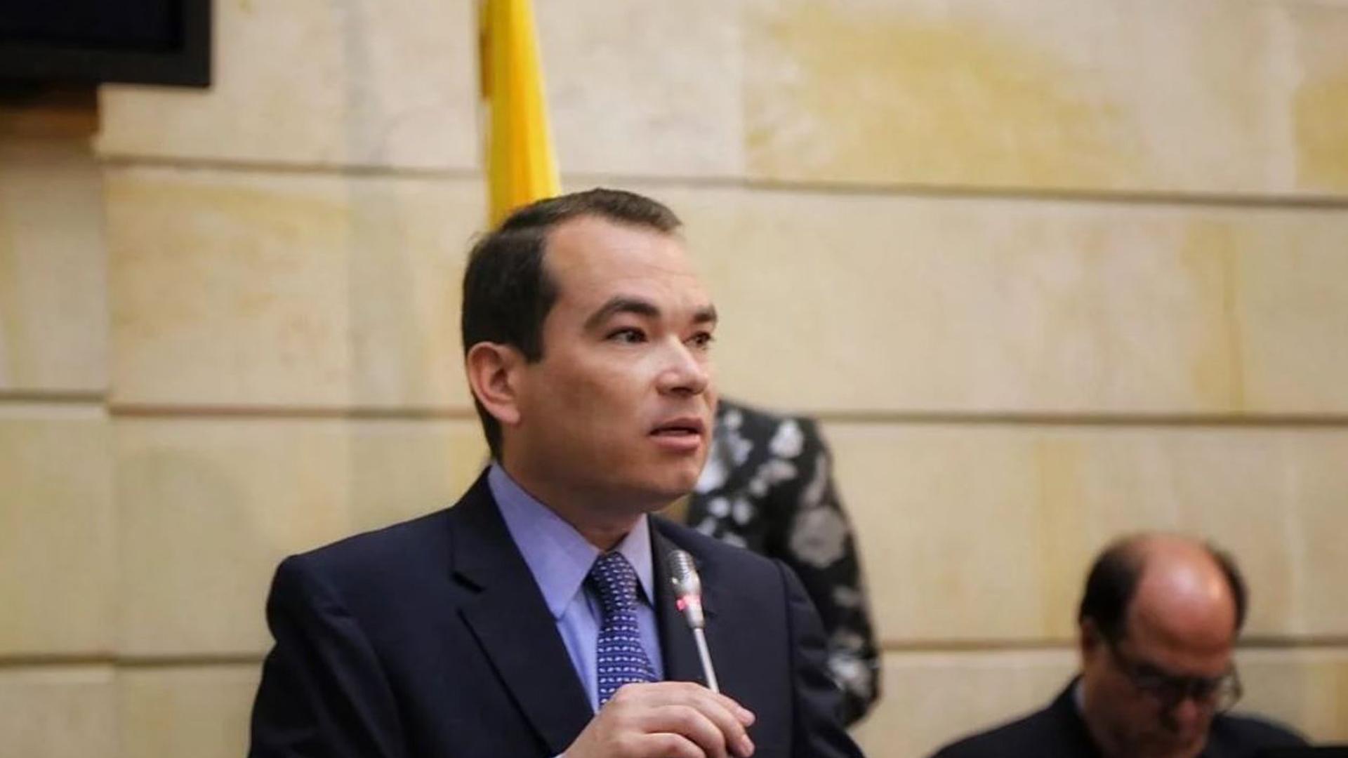 Juan Guaidó designará a Tomás Guanipa como embajador en Colombia