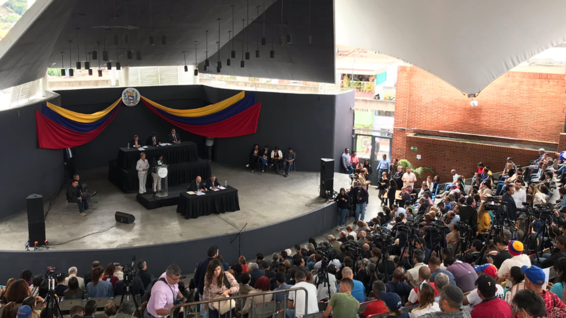 AP: El Hatillo se ofrece como un posible Plan B en la batalla territorial por la AN