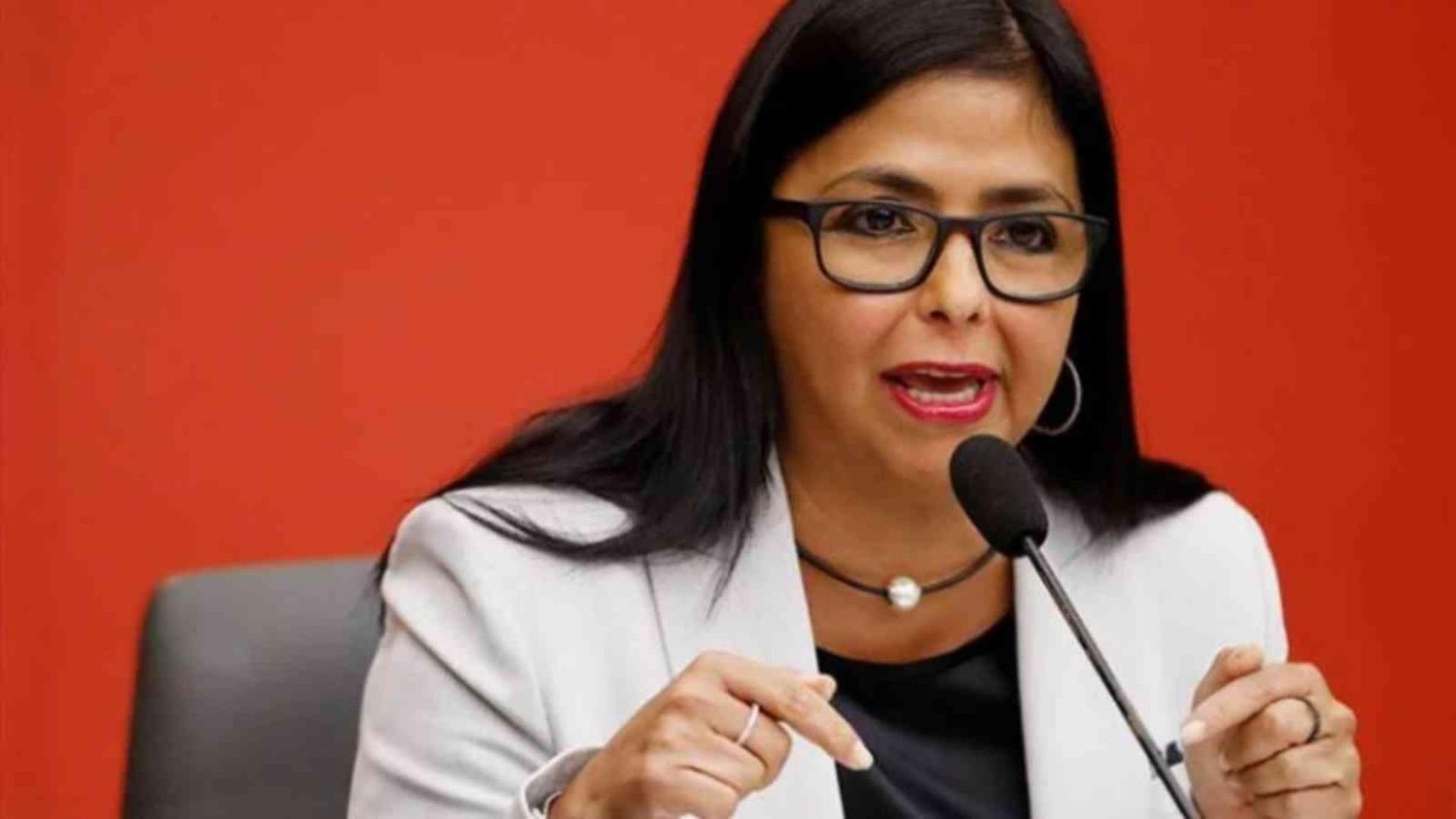 España niega que Delcy Rodríguez ingresara en su territorio