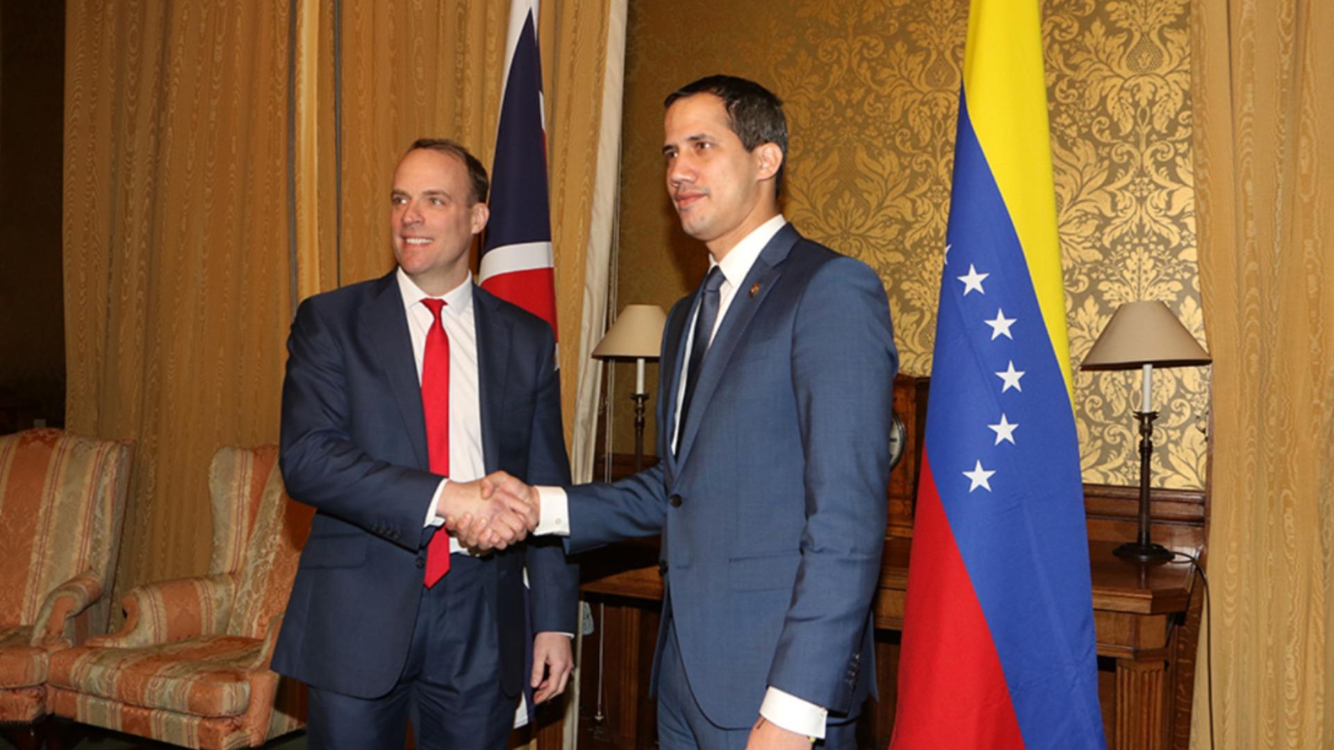 Guaidó pacta cooperaciones con el Reino Unido para una transición en Venezuela