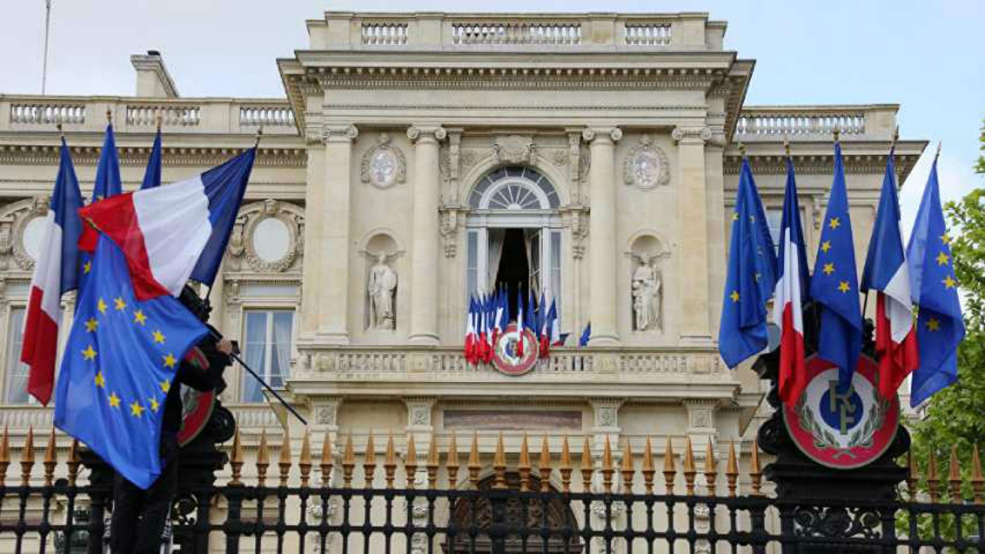 Francia niega intromisión en la política venezolana