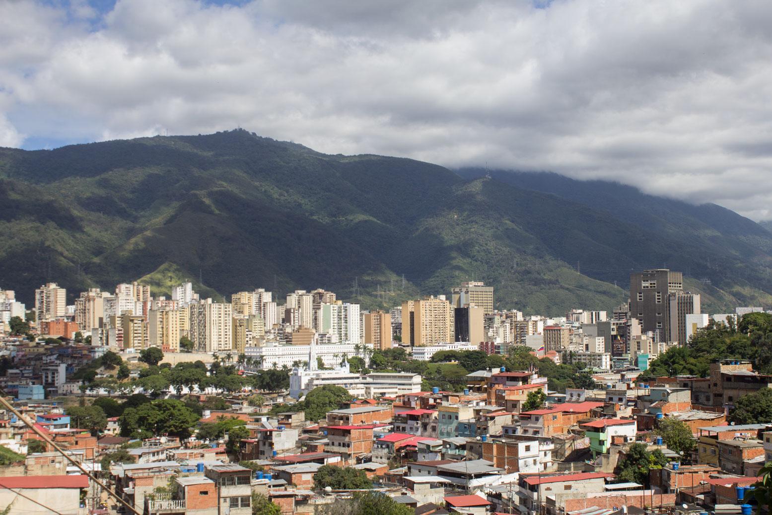 Cámara de Caracas propone medidas fiscales para incentivar la economía
